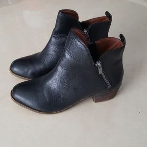 Lucky Brand Basonta Black leather bootie 6M